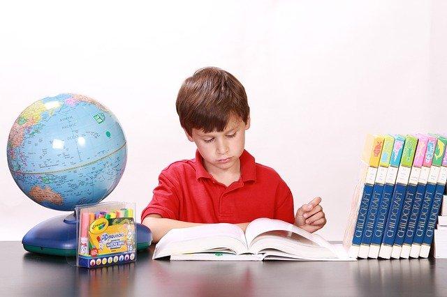Évolution éducation : devenir un enseignant en ligne